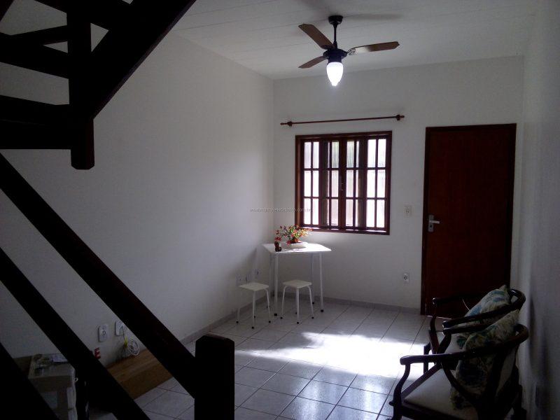 Ótima Casa em condomínio com Área de Lazer Completa