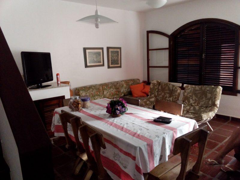 Casa condomínio 3 quartos – Próximo a Praça do Moinho