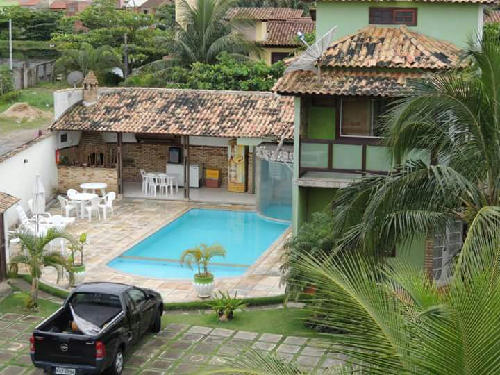 Ótima casa em Condomínio – Fino Acabamento – 3 suítes – Temporada