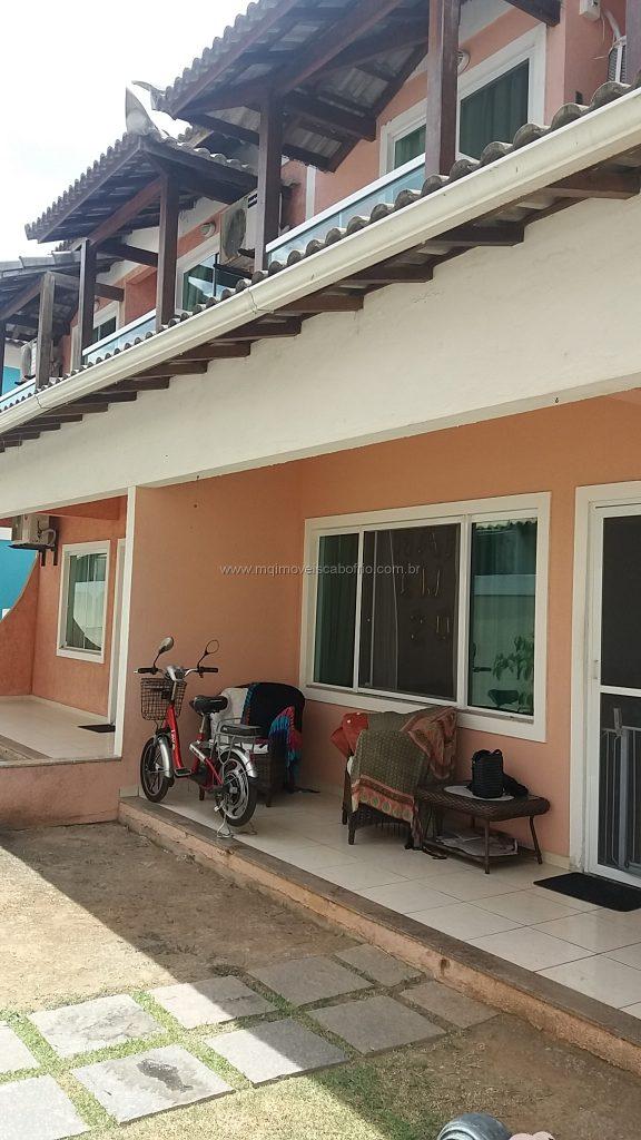 Cod: V162 – Casa em condomínio – 3 quartos – 50 metros da Praia do Peró