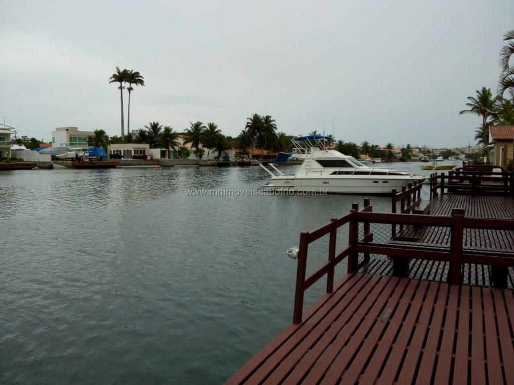 Cod:V337 – Linda casa independente a beira do canal navegável – Ogiva