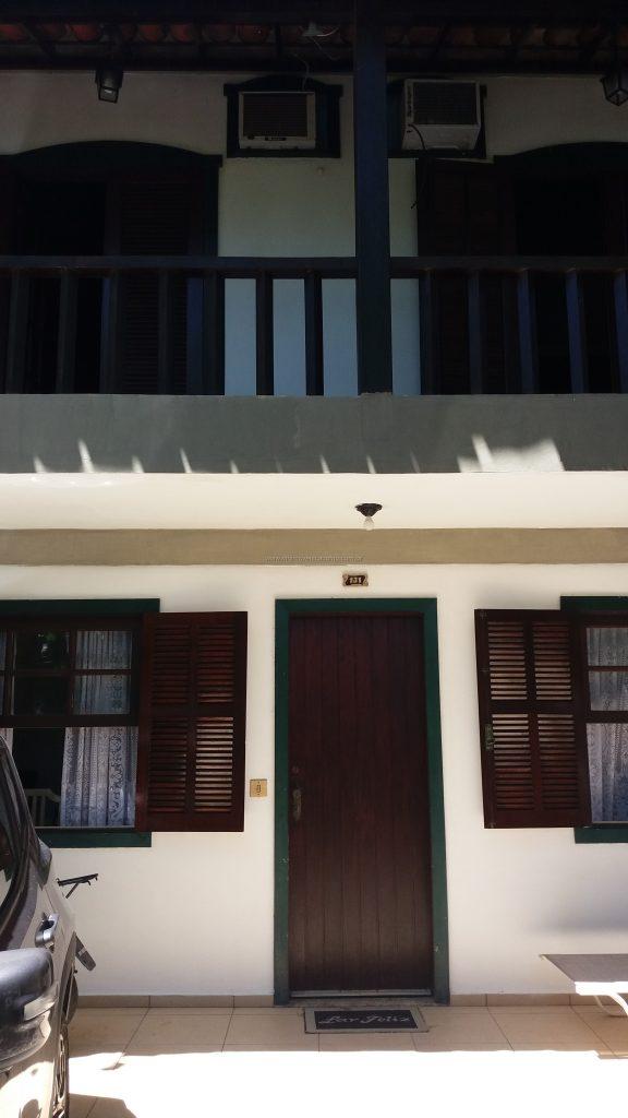Cod:V347 – Ótima casa em condomínio – Entrada independente