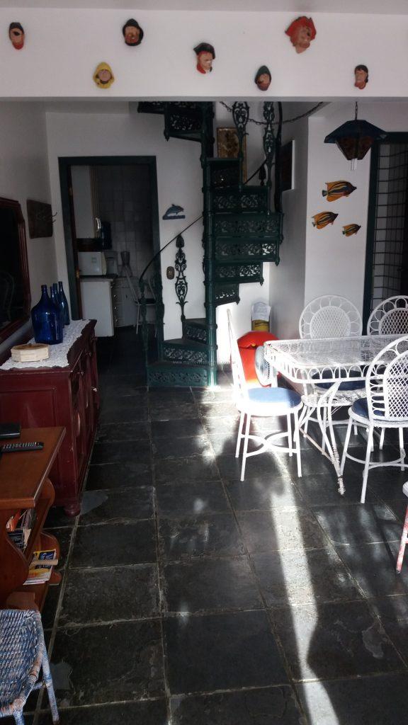 Cod:V356 – Casa em condomínio – 3 quartos – Ótima localização