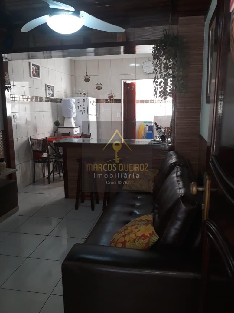 Cod:V435 – Casa triplex em condomínio em excelente localização