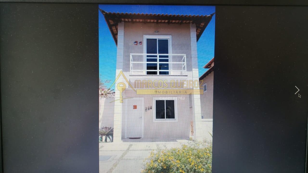 Cod: V501 Casa com 02 suítes em condomínio com piscina