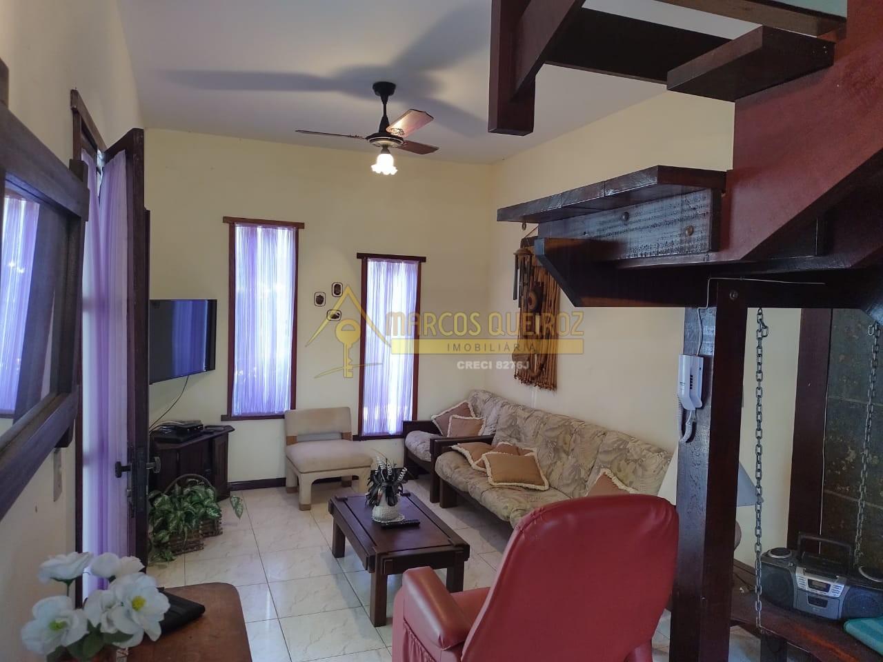 Cod: V505 Ótimo triplex em condomínio no bairro Peró