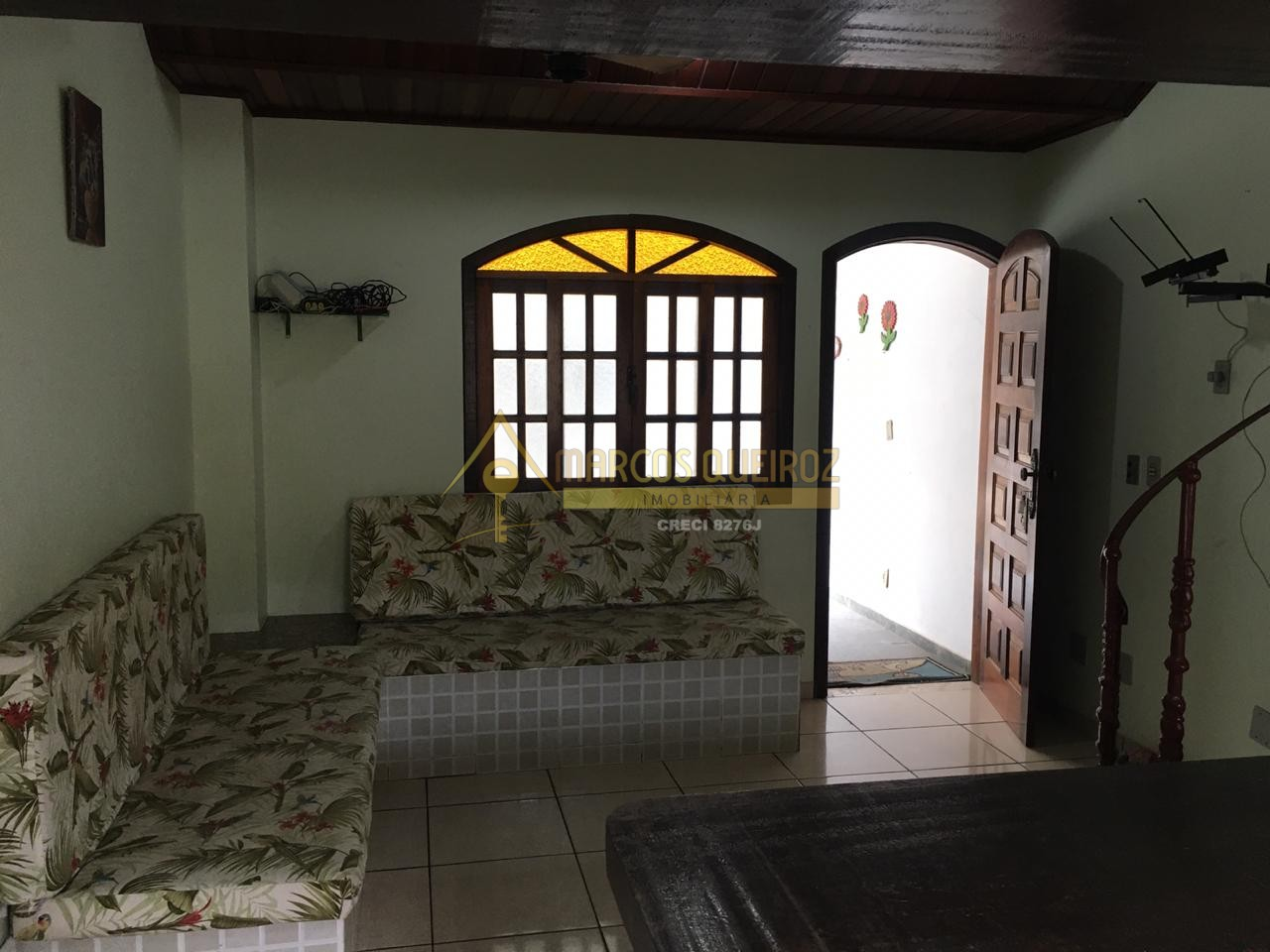 Cod: V515 Casa em condomínio com 02 quartos no bairro Peró