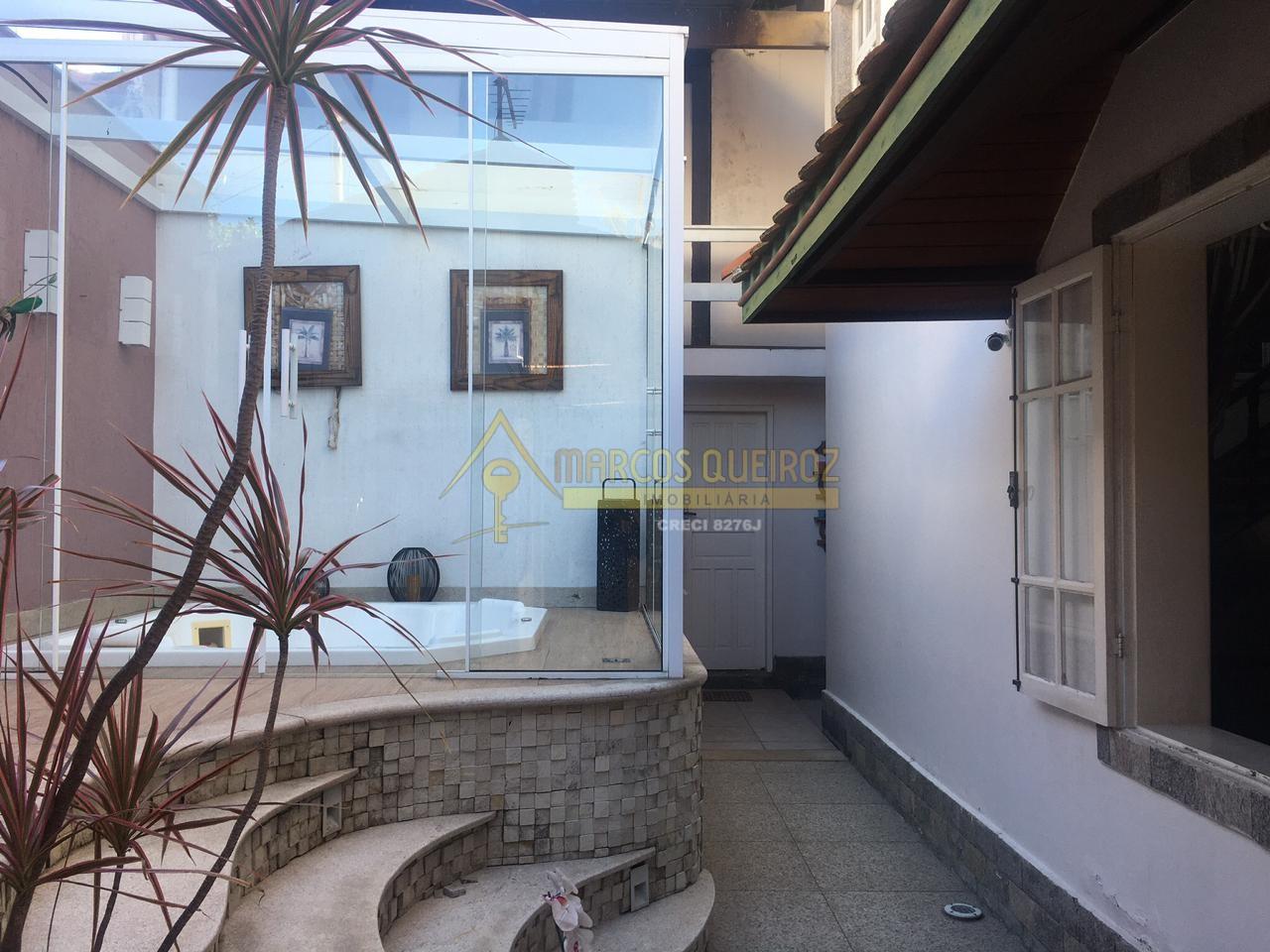 Cod: V546 Linda casa independente a 30 metros da Praia do Forte