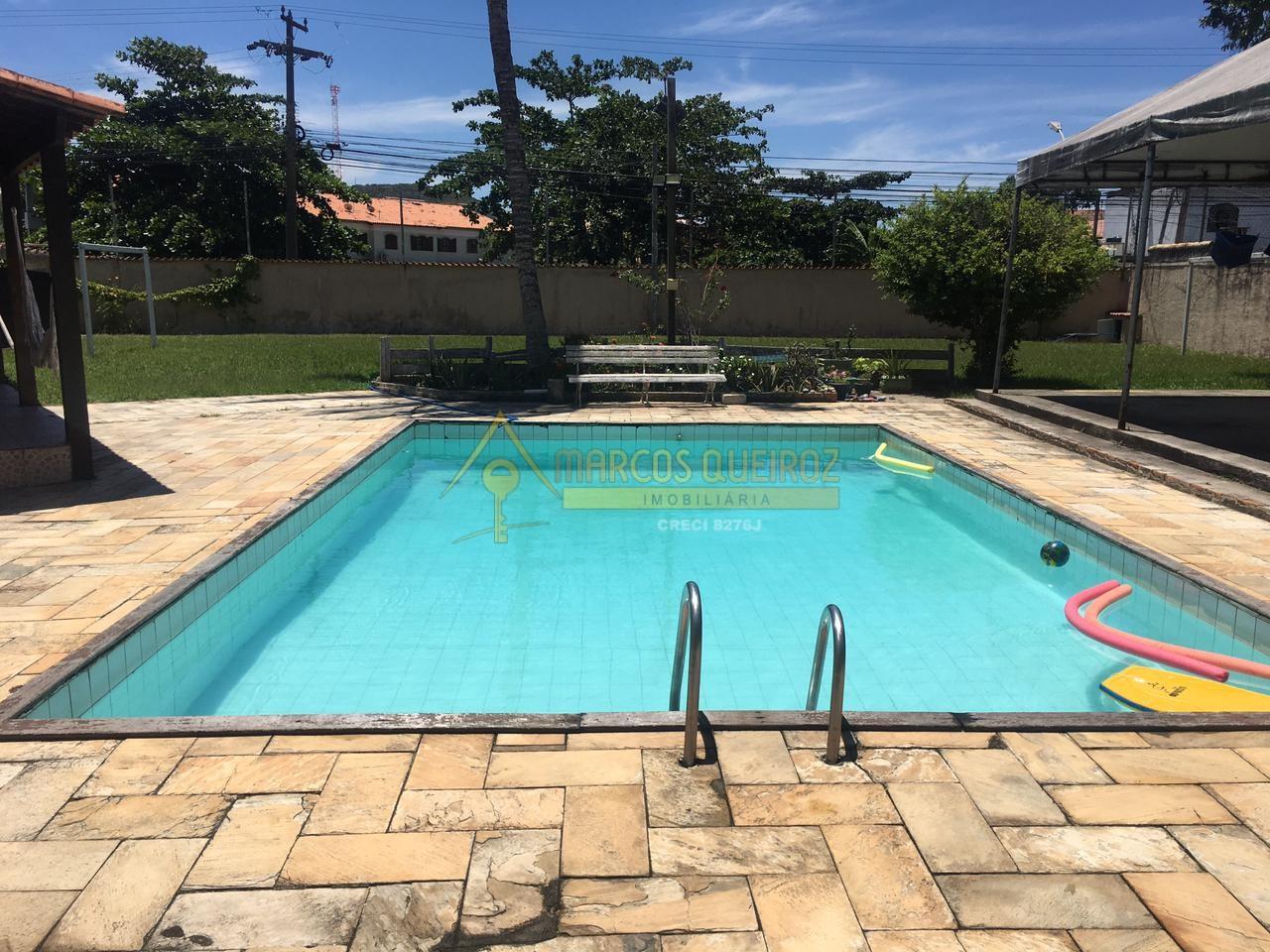Cod: T109 Casa ampla independente com piscina, churrasqueira e campo de futebol – Carnaval  Peró