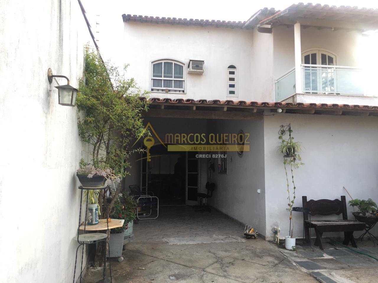 Cod: V602 Casa independente com 04 quartos – São Cristóvão