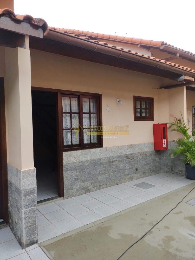Cod: F136 Casa em condomínio com 02 quartos no bairro Peró – aluguel fixo