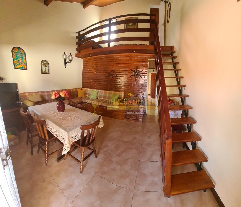 Cod: V606 Casa em condomínio no bairro Peró