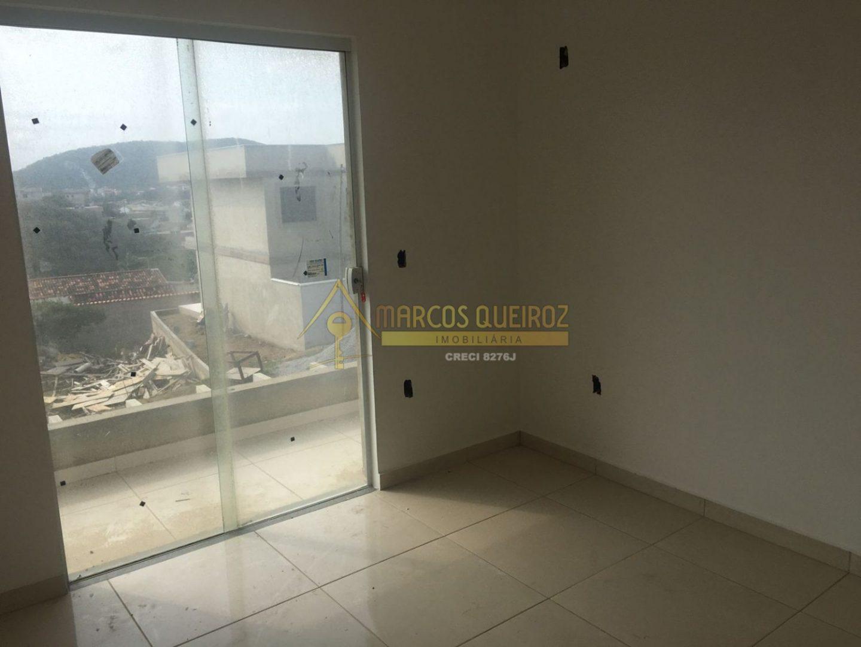 Cod: V638 Casa em condomínio com 02 quartos no bairro Peró