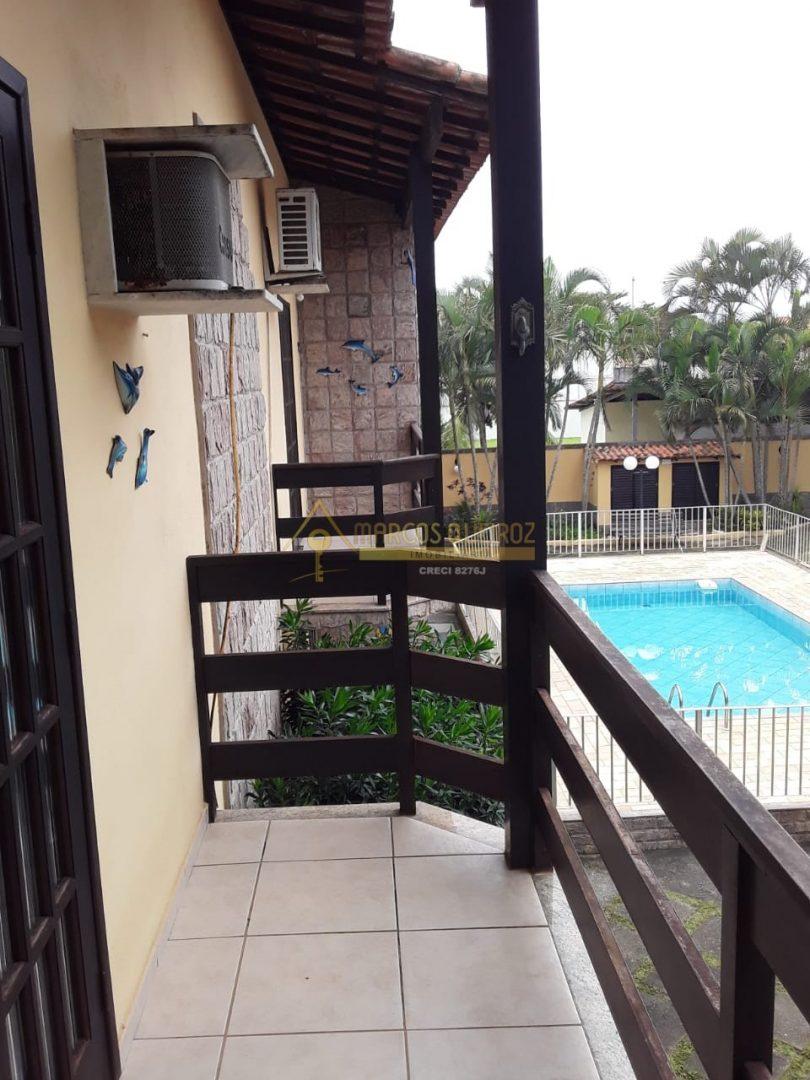 Cod: V645 Casa em condomínio com 02 quartos no bairro Peró