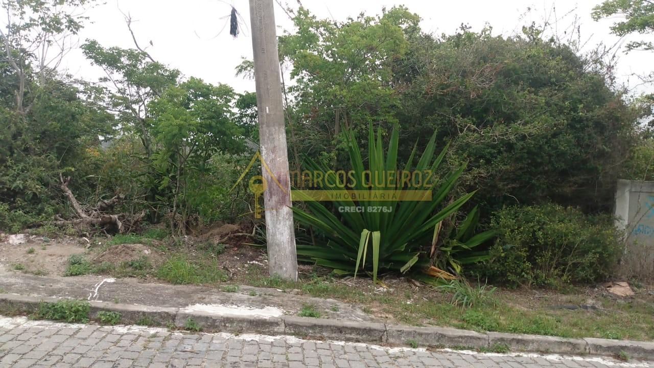 Cod: V644 Ótimo terreno no bairro Peró